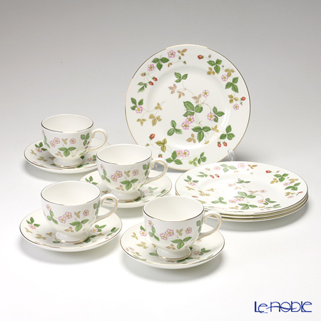 Wedgwood 'Wild Strawberry' Leigh Tea Cup & Saucer, Plate (set of 8 for 4 persons)