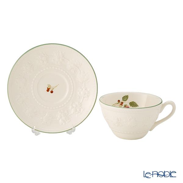 ウェッジウッド(Wedgwood) フェスティビティティーカップ&ソーサー 160cc(ラズベリー) ペア 【ブランドボックス付】