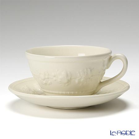 Wedgwood 'Earthenware - Festivity' Ivory Tea set (set of 15 for 6 persons)
