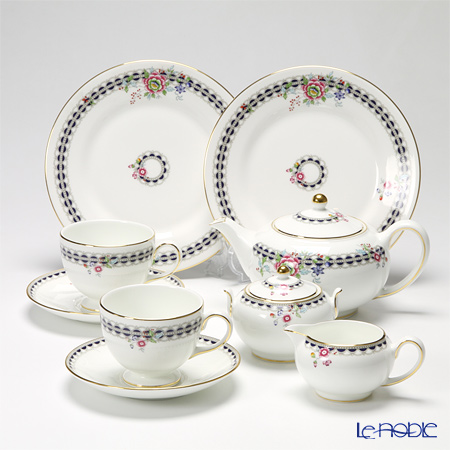 Wedgwood Lace Peony 7 pieces set for tea