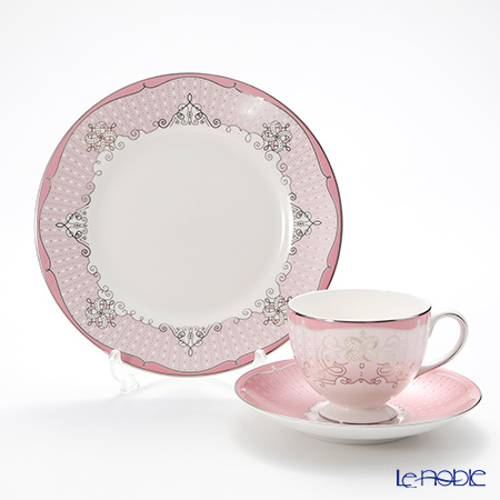 Wedgwood Psyche Rose Plate 20 cm and Leigh Teacup & Saucer