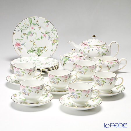 Wedgwood Sweet Plum 23 pcs. set