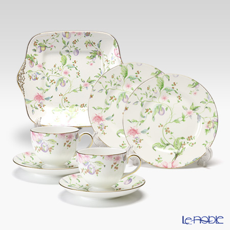 Wedgwood Sweet Plum Leigh Teacup & Saucer (set of 2), Bread and Butter Plate 27 cm and Plate 20 cm