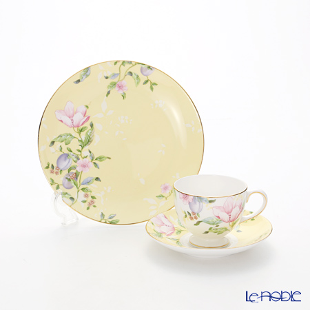 Wedgwood Sweet Plum Damask Plate 20 cm and Leigh Teacup & Saucer set