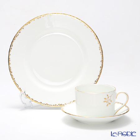 Wedgwood Vera Wang - Gilded Leaf Salad Plate and Teacup & Saucer