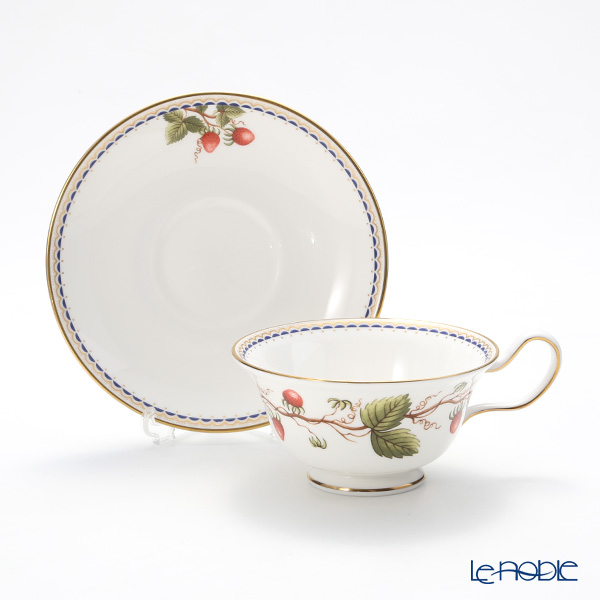 Wedgwood Wild Strawberry Archive Peony Teacup & Saucer set of 2 with bow