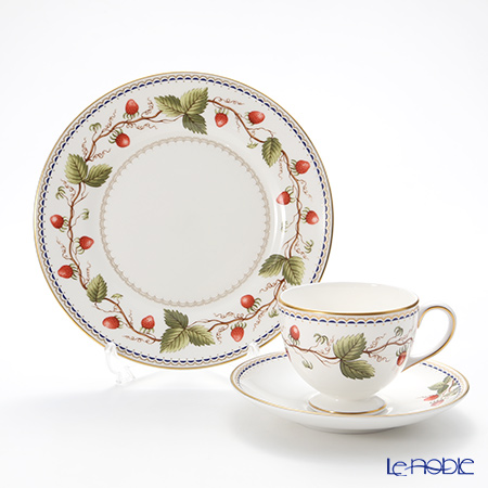 Wedgwood Wild Strawberry Archive Plate 20 cm and Leigh Teacup & Saucer