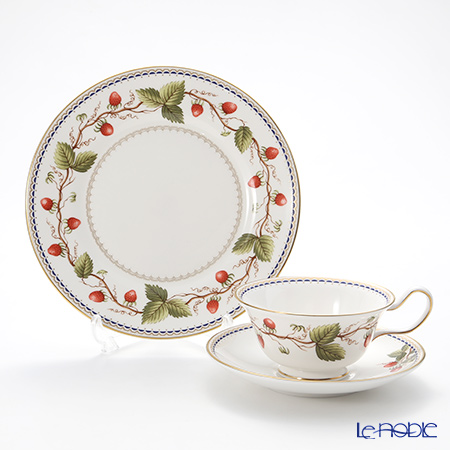 Wedgwood 'Wild Strawberry Archive' Peony Tea Cup & Saucer, Plate (set of 2 for 1 person)