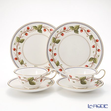 Wedgwood 'Wild Strawberry Archive' Peony Tea Cup & Saucer, Plate (set of 4 for 2 persons)