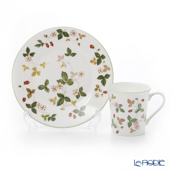 Wedgwood 'Wild Strawberry Casual' Green Mug, Plate (set of 2 for 1 person)